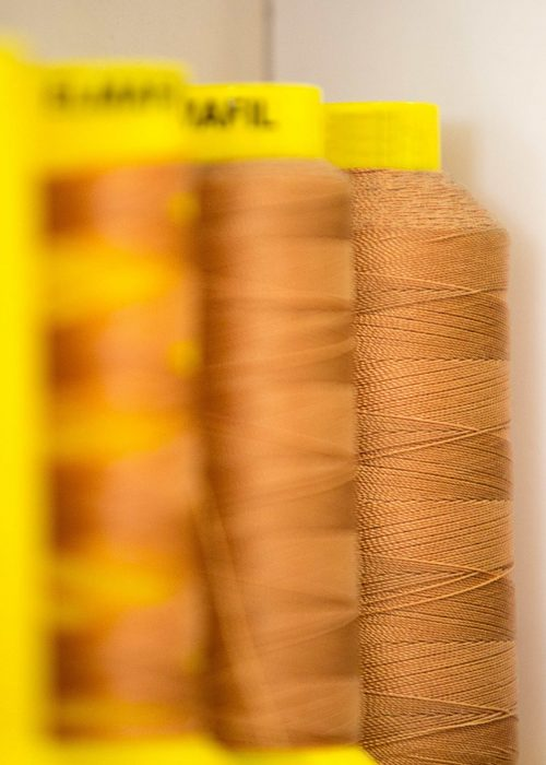 bobbins-of-sewing-thread-HE498RV-min (1)